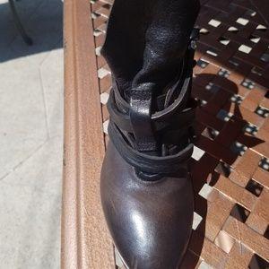 Shoes - Gorgeous leather unique heel size7